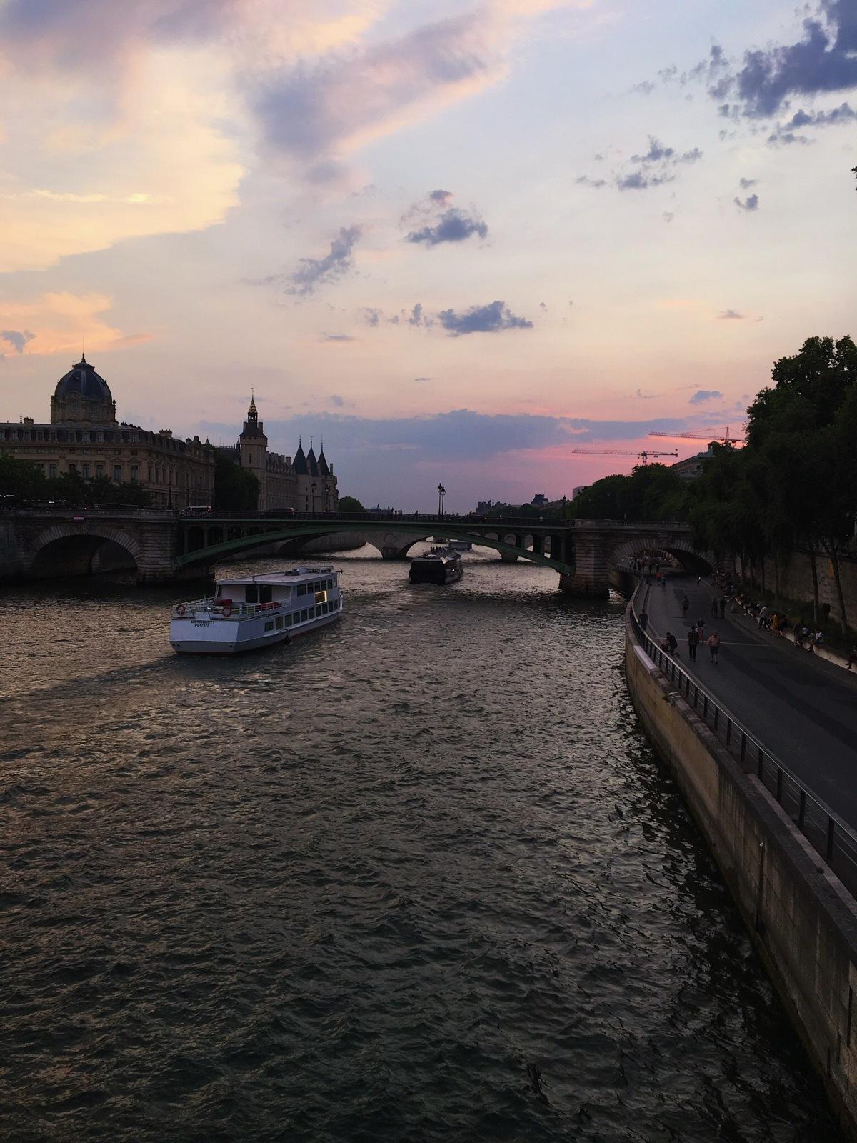 Bienvenue au Paris
